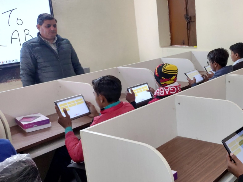 benefits-of-tablet-learning-in-classroom