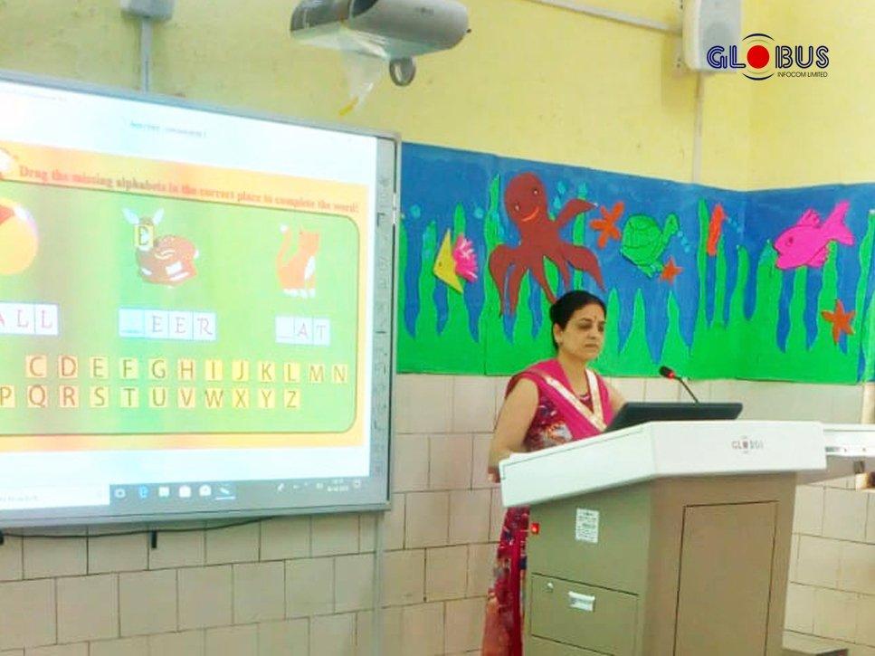 Globus Digital Lectern- Schools