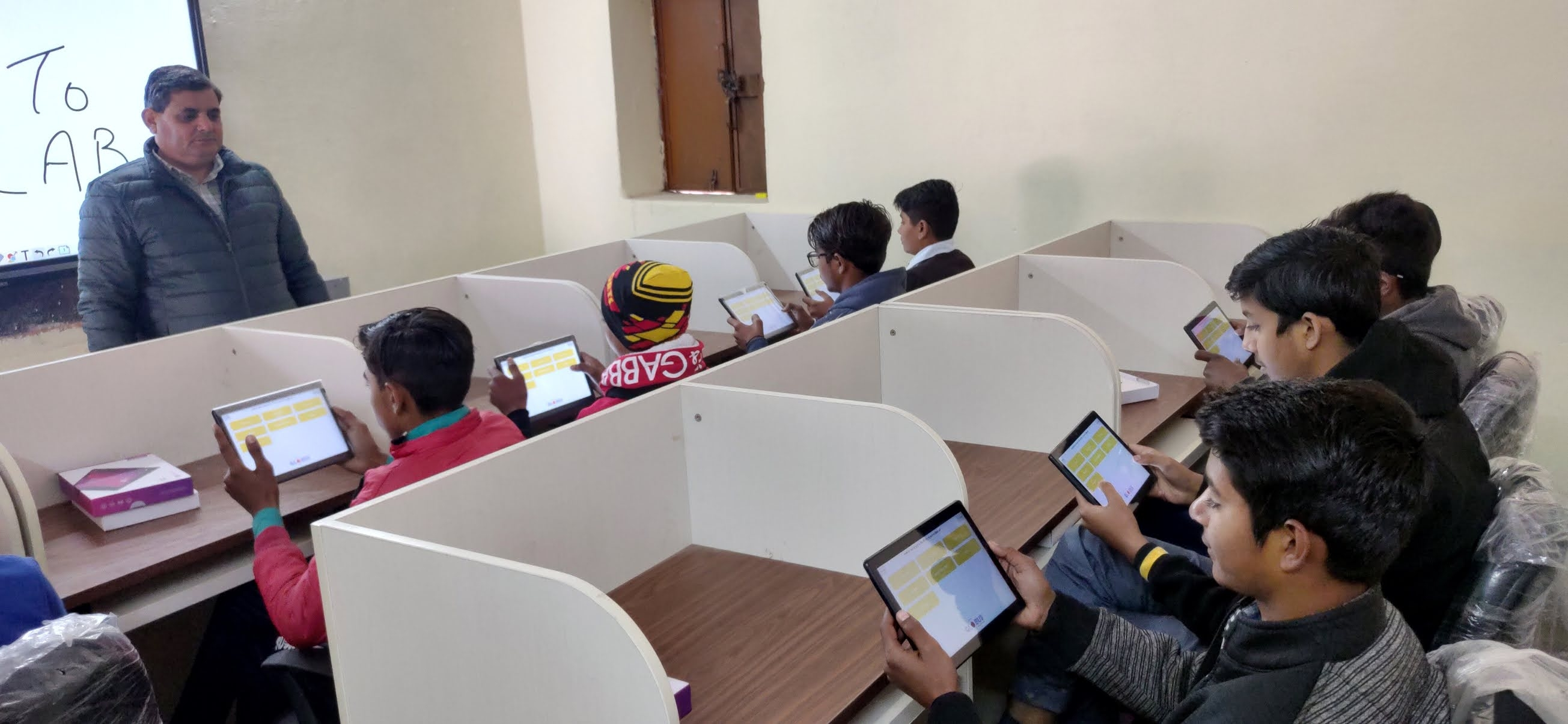 buy tablet learning solutions for schools