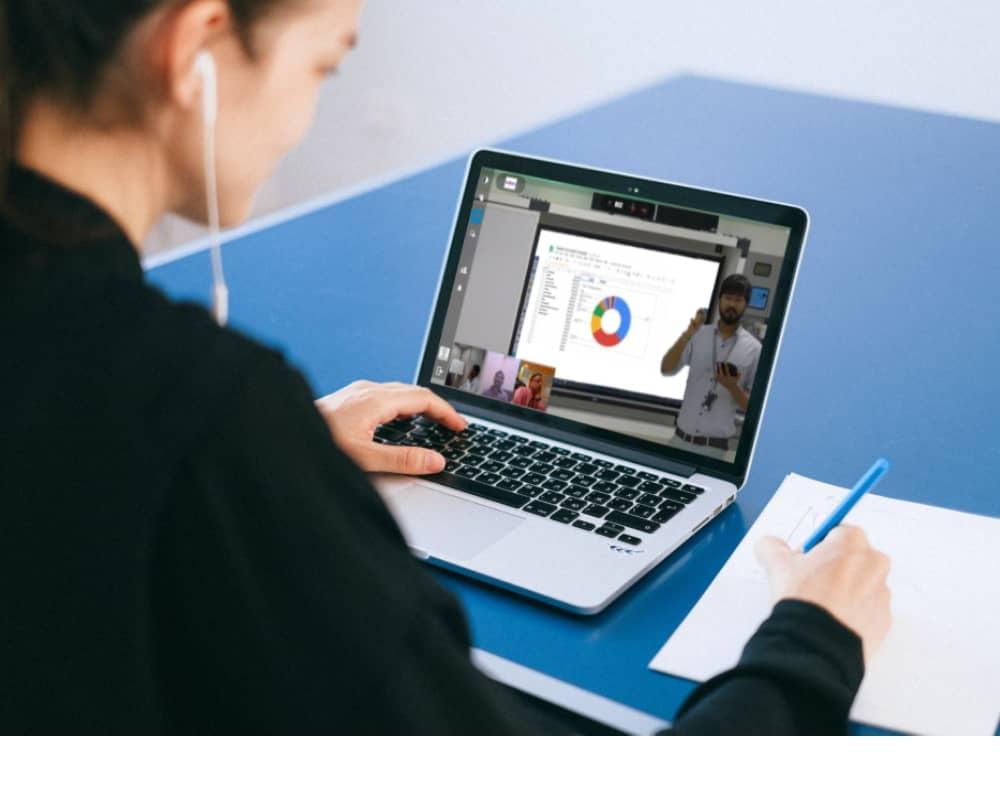live class training through virtual classroom software at home