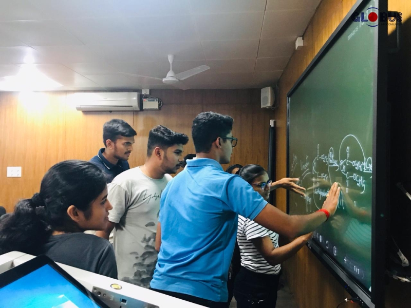 smartboards in classroom