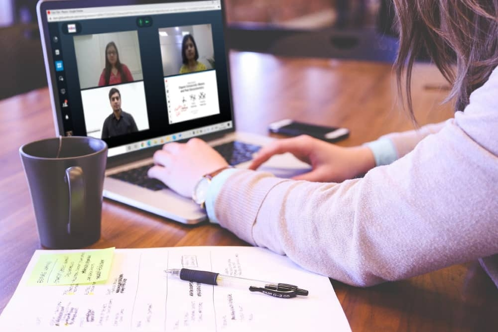 take real time live classes from anywhere through virtual classroom